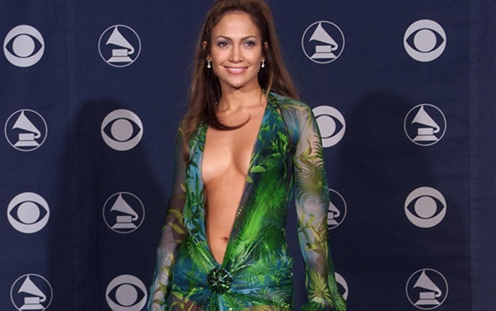 Green Versace dress of Jennifer Lopez- famous dresses