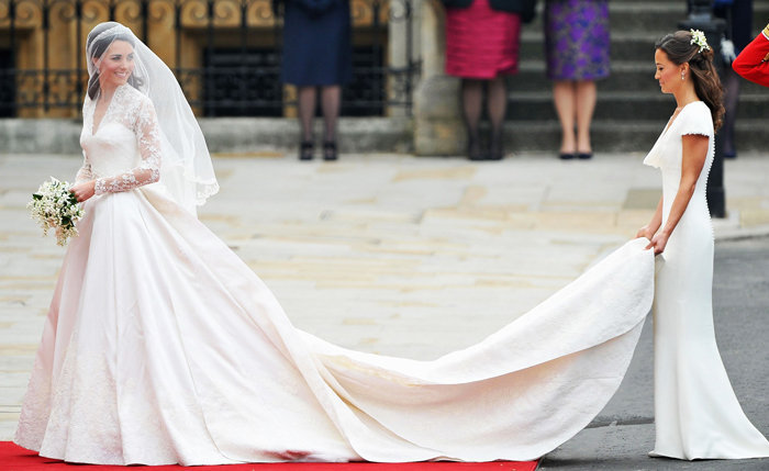 Wedding dress of Kate Middleton- famous dresses