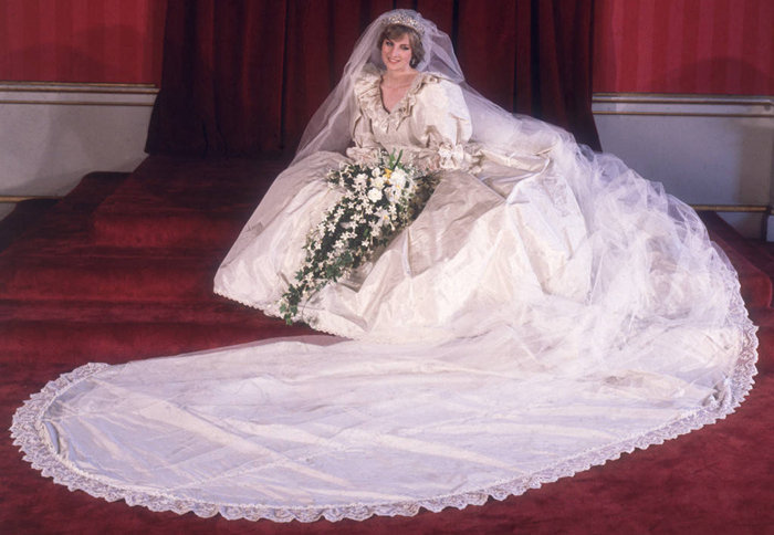 Wedding dress of Lady Diana Spencer - famous dresses